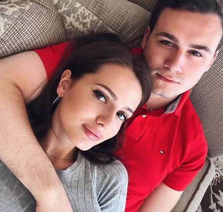 Николай Соболев сделал предложение своей девушке