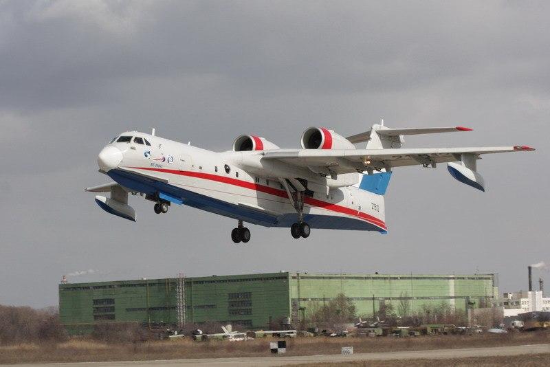 Таганрогский самолет Бе-200ЧС может войти в сотню лучших товаров России