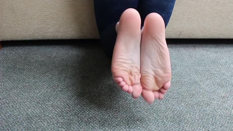 Soles in jeggings, cd feet, perfect posy polish