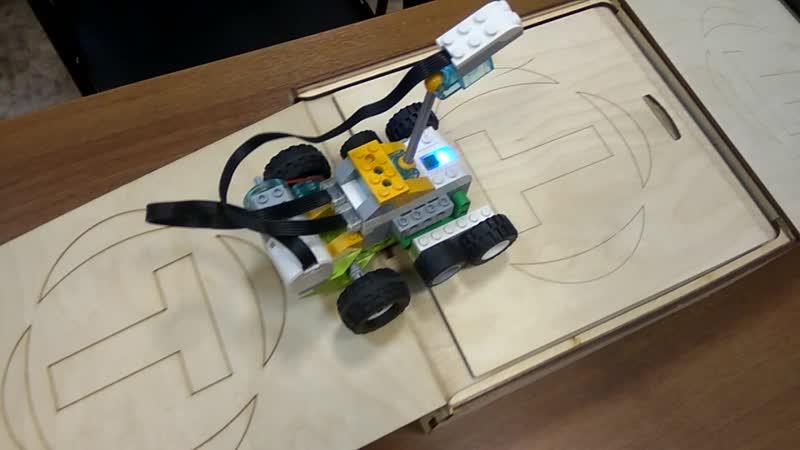 Робот вездеход из Lego WeDo 2 0