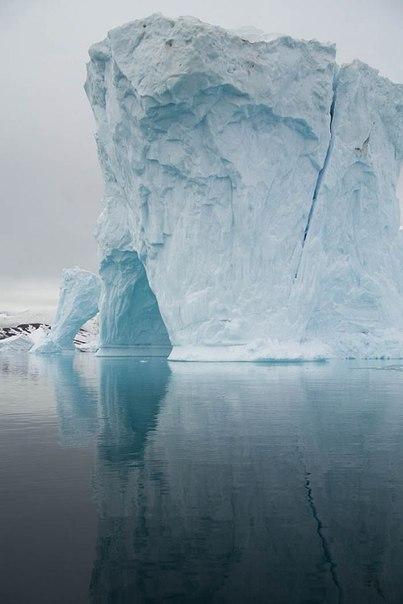 Почему Южный полюс холоднее Северного
