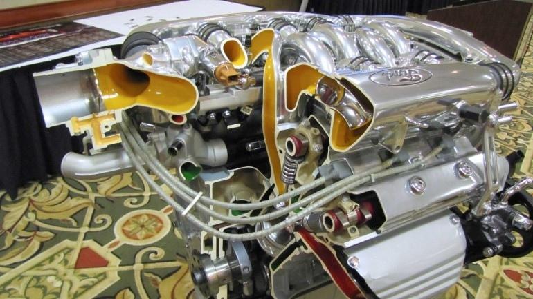 Ford Taurus SHO с двигателем Yamaha V6