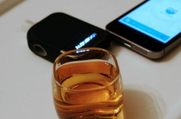 Штука: Алкотестер-аксессуар для мобильного