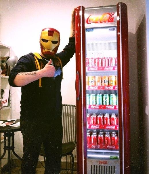 Холодильник кока кола