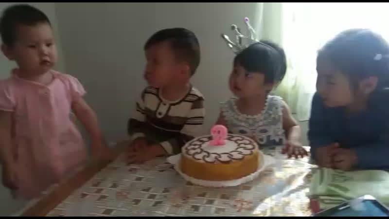Айшабиби 2 жас