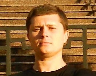 Клочко Алексей Николаевич - Гипнотизёр и профессиональный практикующий гипнолог (гипнотерапевт), опытный специалист и практик в области профессионального классического гипноза и нетрадиционных народных методов мануальной терапии.