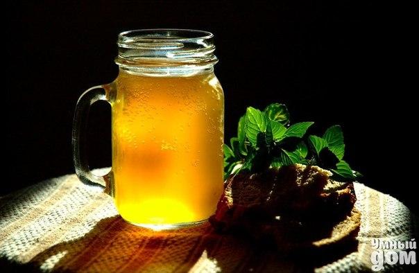 🍻Кваску не желаете? ;) Проверенные рецепты кваса от наших подписчиков!!!🍻 Квас на яблочном соке На 4 литра кваса нам понадобится 1 литр яблочного сока 1 стакан сахара 2 чайные ложки растворимого кофе 1 чайная ложечка сухих дрожжей Все это заливаем теплой,кипяченой воды(3 литра) и оставляем на 8 часов, желательно в теплом месте, не забываем крышку оставить приоткрытой,потом охлаждаем...Очень вкусный квас и приятен в жаркие дни Рецептом поделился Артем Васильев