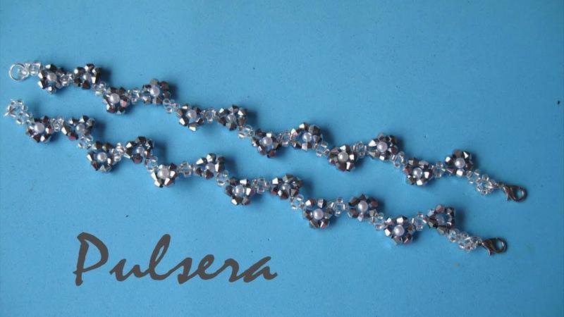 DIY - Pulsera de florecitas DIY - Flower bracelet