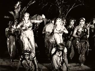 Chandralekha - Hindi - Gypsy Dance