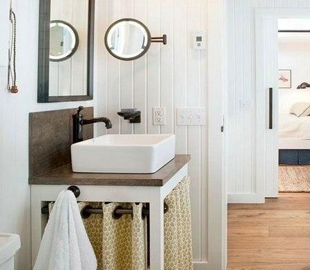 12 идей для декора ванной Улучшить интерьер ванной комнаты и сделать пространство стильным и удобным можно и без помощи профессионального дизайнера. Мы собрали лучшие креативные идеи – уверены, они вам понравятся