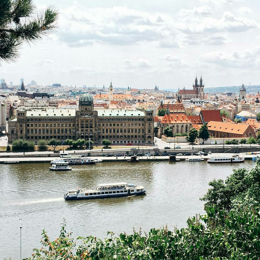 По цене авиабилетов: недельный тур в Прагу всего за 11400 рублей с человека