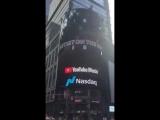 De Time Square au Parisien, tout le monde attend la sortie du premier album de The Blaze demain ! -