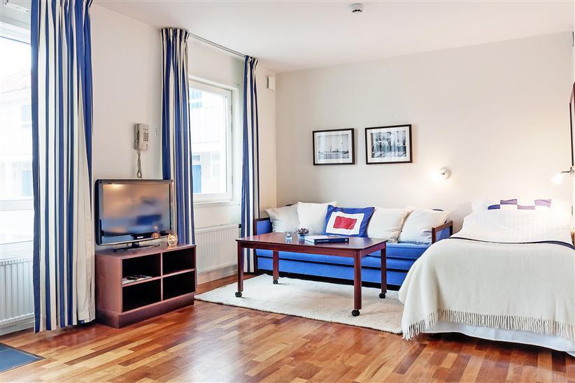 Квартира-студия квадратной планировки 31 м в Европе.