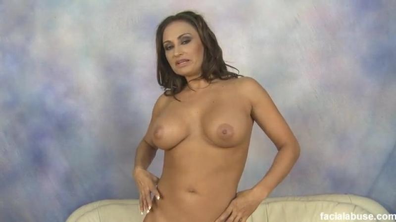 129 - Claudia Valentine