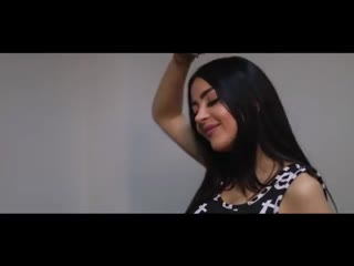 Азербайджанка Vefa Sherifova красиво спела песню Sari Ciceyim. Азербайджан Azerbaijan Azerbaycan БАКУ BAKU BAKI Карабах 2019 HD