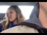 Папа снял на видео селфи-кривляния своей дочери