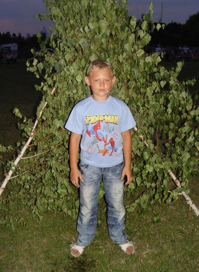 Владислав Рикиянов, 21 ноября 1990, Луганск, id216344052