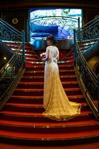 Здравствуйте,покупала  у  Вас  платье.  Очень  красивое  платье  все в восторге  и  все  спрашивают  где  я его купила) как обещала отправляю фотографии)
