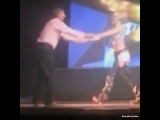 Julianne dancing with her dad during #MoveLiveonTour! Awww! Love this! ☺❤ Upload that video Derek, we want better quality of this precious moment. LOL ? #juliannehough #derekhough