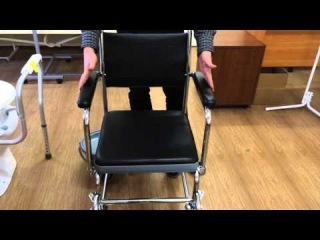 Санитарное кресло-каталка на колесах. Е 0807