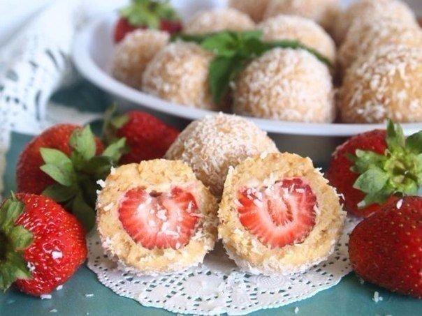 10 десертов с клубникой без выпекания 1. Клубничный