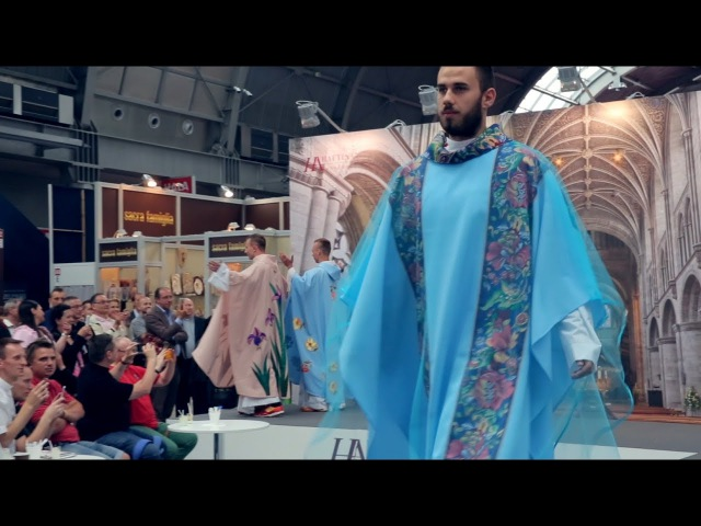Nowa moda dla księży na Sacroexpo 2017
