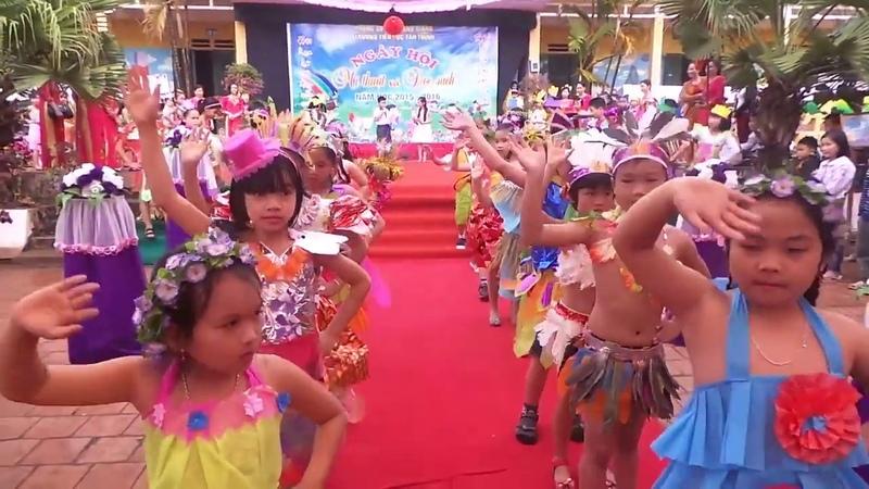 Biểu diễn thời trang học đường