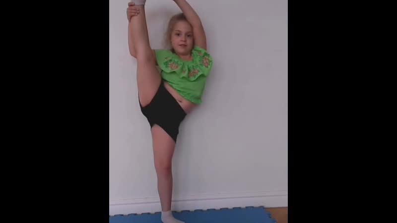 Боковое равновесие на одной ноге. Гр.4-6 лет