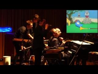 Живая озвучка одной из серий мультфильма Том и Джерри