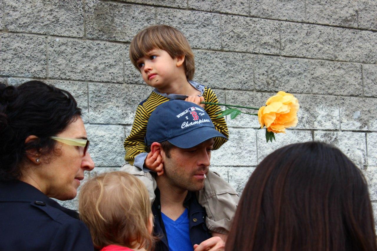 Миша коллинз жена и дети фото