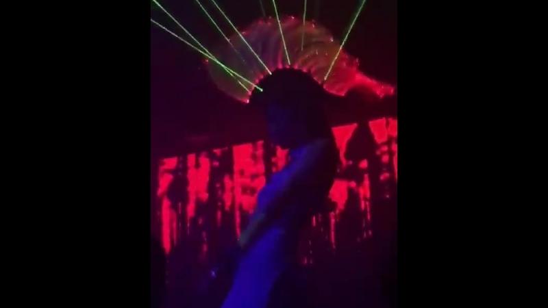 Ирокез с лазерами, пикселями и оптоволокном от DanceLed