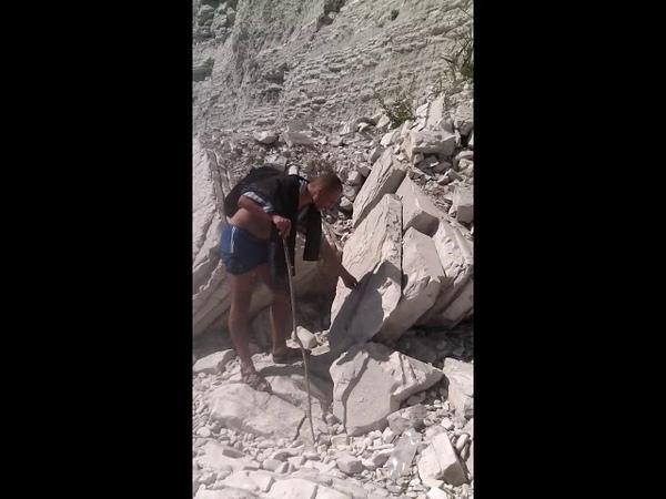 Эльф и Ратибор обнаружили доказательства, что ряд гор Кавказа отлит искусственно из бетона