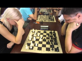 chess blitz WIM Bivol   GM Novik