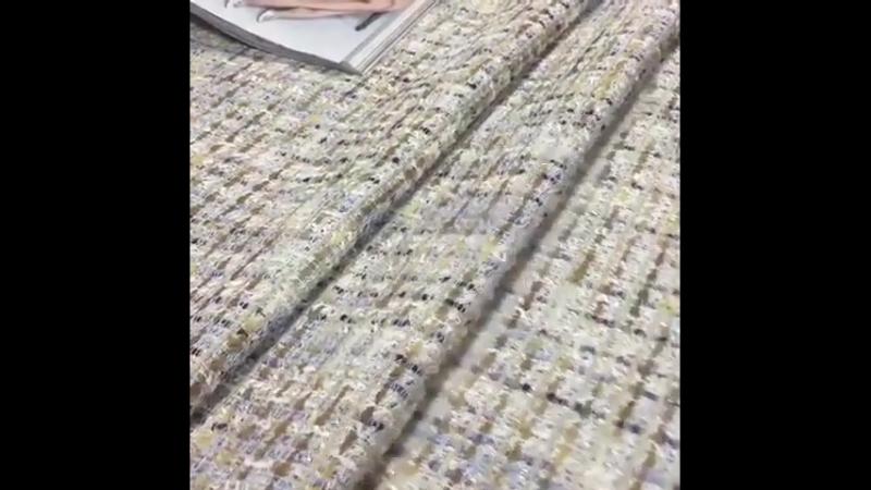 Французская плательно-костюмная ткань шанель в бежевой гамме. ⭐️ширина 155см ⭐️состав хлопок 48, па 35,пэ 17 ⭐️цена 1130
