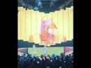 На вчерашнем концерте сербской певицы Дары, в Белграде, Елена Карлеуша вдруг вышла на сцену и две блондинки вместе спели песню