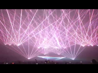 Wait for the drop........ [Gareth Emery - Laserface Vancouver]