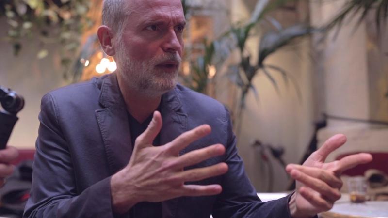 L'interview Médium : Stéphane Bern au bord des larmes en parlant de ses parents