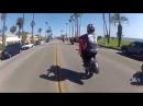 Невероятно безбашенная езда на мотоцикле в 69 позе камасутры.