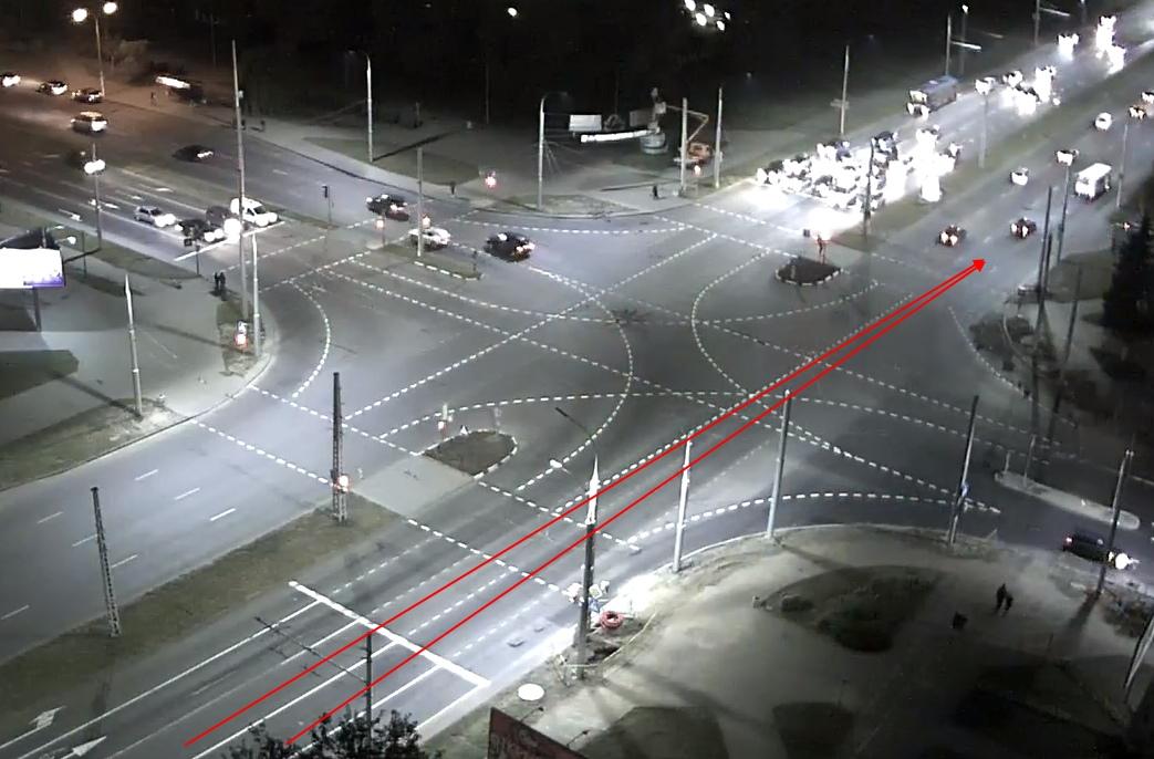 На перекрестке Московская - Партизанский обновили разметку и теперь транспорт с двух полос едет в одну
