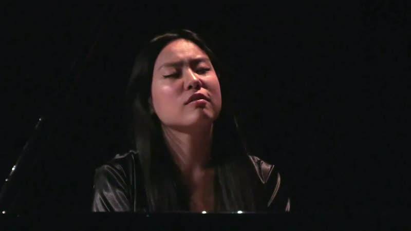 858 J. S. Bach – Prelude and Fugue in F sharp major, BWV 858 [Das Wohltemperierte Klavier 1 N 13] - HJ Lim, piano