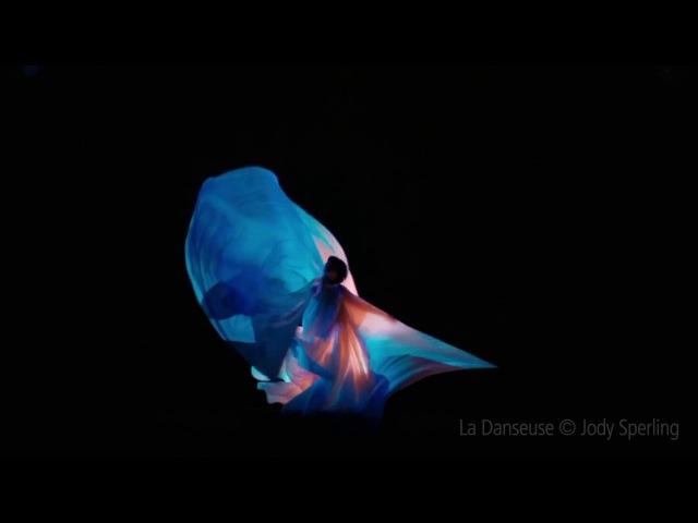 Danse du Lys La Danseuse (The Dancer)