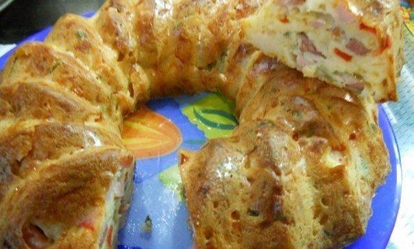 Быстрый пирог Приготовление 0,5 стакана кефира и щепотку соды