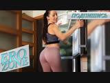 EROZONE - Round Ass in Leggings,Hot Housewife Shows Her Ass,Mommy,Сочная Жена Виляет Круглой Попкой в Леггинсах,Шлепни