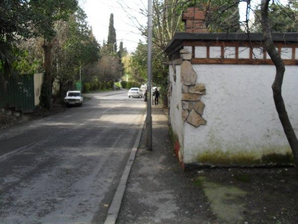 Широки и очень удобны тротуары в стороне от центральных улиц Сочи