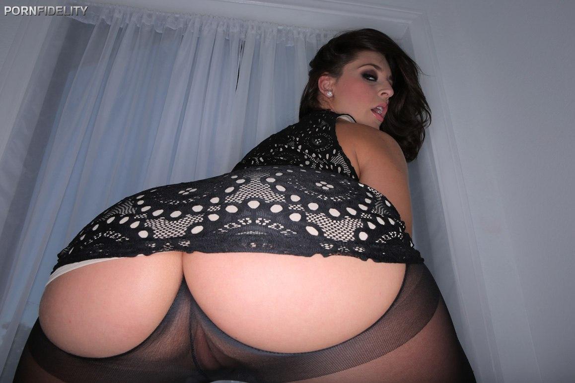White Room Gracie Glam PornFidelity