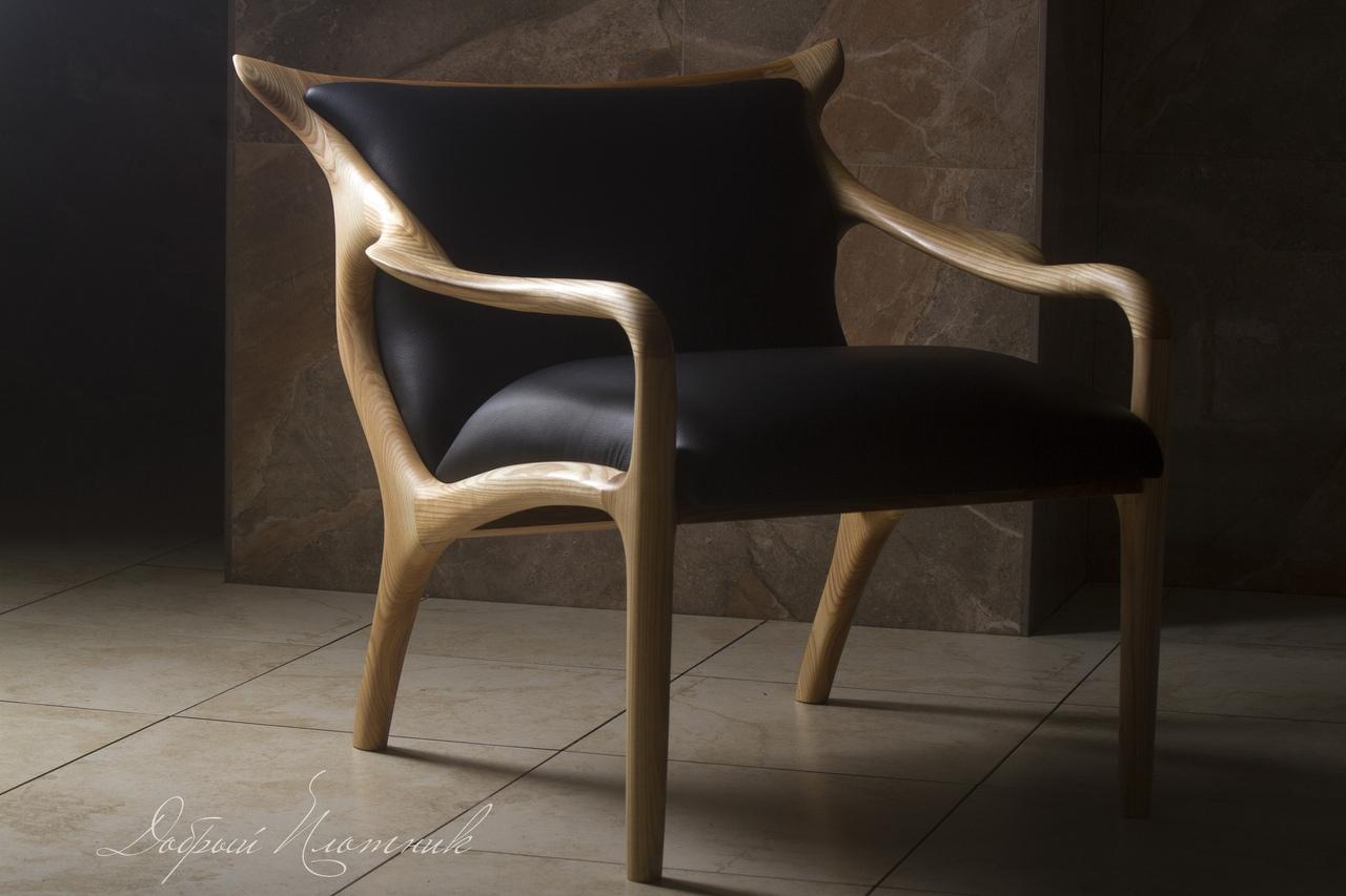 Кресло из ясеня, кожа, масло.
