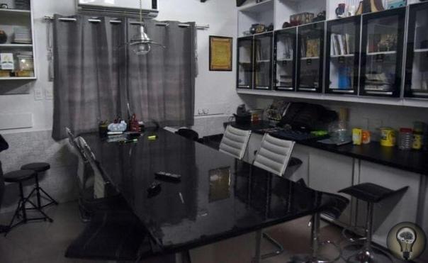 Довольно неплохая хатёнка, не правда ли Только это вовсе не квартира, а VIP-камера парагвайской тюрьмы, в которой отбывал свой срок бразильский наркобарон Джарвис Хименес Павао. Апартаменты