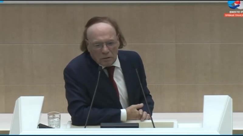 Эдвард Радзинский предостерегает о грядущей революции против коррупционеров