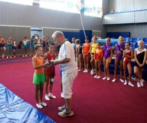 В Таганроге проходят соревнования по прыжкам на батуте и мини-трампу