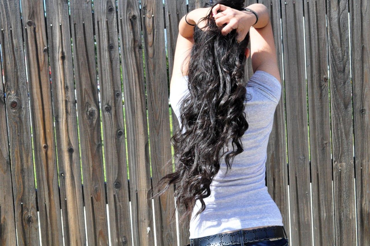 Фото девушек брюнеток со спины на аву 26 фотография